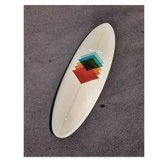 ryan lovelace surfboards (shape) / flow and soul surfboards (glassing)