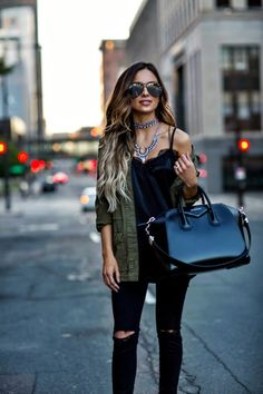 mn fashion blogger mia mia mine carrying a givenchy antigona bag and wearing a baublebar necklace