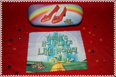Wizard of Oz  Eyeglass case hard shell with cleaning by ClownLaugh