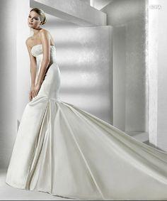 2012 High end Custom-made Mermaid Strapless Applique Satin Cathedral Train Wedding Dress