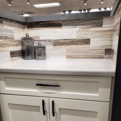 Quartz Countertops, White Cabinets, Recycled Materials, Soft Colors, Minimalism, Neutral, Marble, Skyline, Cool Stuff