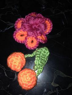 Et fleur pour costume à venir sur thème des fruits et des fleurs...