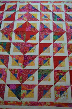 Batik Quilts, Scrappy Quilts, Easy Quilts, Applique Quilts, Kid Quilts, Bright Quilts, Colorful Quilts, Quilting Projects, Quilting Designs