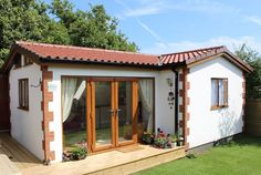 A wonderful Granny Annexe built in Worthing by us. Cottage-style with white render and brick quoin corners and a lovely tiled roof. Cottage Homes, Cottage Style, Camping Am Meer, Spanish Style Homes, Spanish Bungalow, Bamboo House, Adobe House, Village Houses, Small House Design
