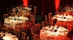 décoration de mariage thème Cabaret www.annabellefesquet-decoratrice.com Reception Decorations, Table Settings, Wedding, Bouquets, Hat Hanger, Center Table, Valentines Day Weddings, Bouquet, Weddings