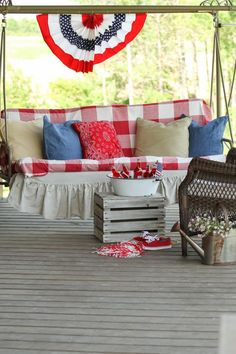 Patriotic Porch Ideas - Fourth of July Porches - July Porch by Creative Cain Cabin Country Chic Cottage, Country Decor, Country Farmhouse, French Country, Blue Home Decor, Home Decor Fabric, Porch Styles, Patriotic Decorations, Holiday Decorations