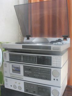 F Ba C F D F C E on Record Player Solid State Stereo Systems