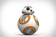 Star Wars toys have always had one major problem: they never quite live up to what you see on the screen. Until now. The Sphero BB-8 Droid uses gyroscopic propulsion and a magnetically-attached head to mimic the movements of the... #bb-8 #spherobb8 #bb8 #starwars #friki