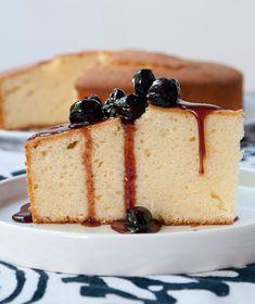 Greek yoghurt cake with sweet stewed blueberries Greek Yogurt Recipes, Greek Desserts, Greek Yoghurt, Flan, Nutella Cake, Delicious Deserts, Cake Bars, Vanilla Cake, Love Food