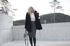 Monique Lund // balck and white // workwear // Burberry // Marc Jacobs // Prada