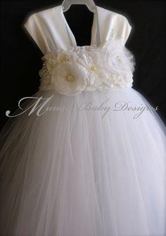 Blanco vestido de la muchacha de flor / por ManaiaBabyDesigns