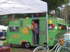 Walter the Hippie - http://aristocratloliner-walterthehippie.blogspot.com/