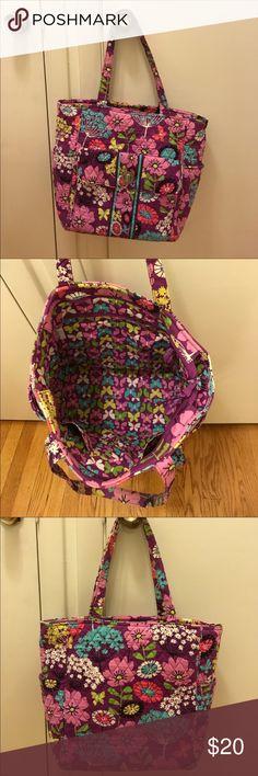 EUC Vera Bradley bag! EUC Vera Bradley bag! Vera Bradley Bags Shoulder Bags