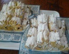 Fincsi receptek: Hájas kifli, ez egy fantasztikus recept, mindig remekül sikerül! Minion, Dairy, Cheese, Food, Essen, Minions, Meals, Yemek, Eten