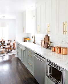 8 Perfect Tips AND Tricks: Kitchen Remodel Modern Butcher Blocks narrow kitchen remodel ceilings.Kitchen Remodel Fixer Upper Home small split level kitchen remodel.Kitchen Remodel Must Haves Stove. Budget Kitchen Remodel, Galley Kitchen Remodel, Kitchen On A Budget, Home Decor Kitchen, New Kitchen, Home Kitchens, Kitchen Ideas, Ranch Kitchen, 1960s Kitchen