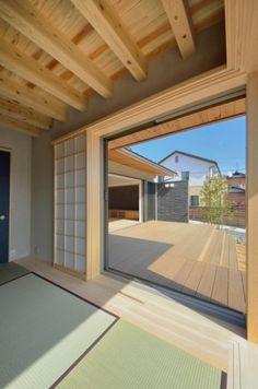 和室よりデッキを見る(和モダンの家)- その他事例 Japanese Architecture, Pergola, Yard, Rooms, Outdoor Structures, House, Beauty, Beautiful, Home Design
