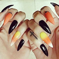 Cool Halloween Nail Art Designs for Creepy halloween nails; cute hallo… Cool Halloween Nail Art Designs for Creepy halloween nails; Cute Halloween Nails, Halloween Nail Designs, Halloween Coffin, Creepy Halloween, Halloween Acrylic Nails, Halloween Halloween, Halloween Tutorial, Holloween Nails, Diy Halloween Games