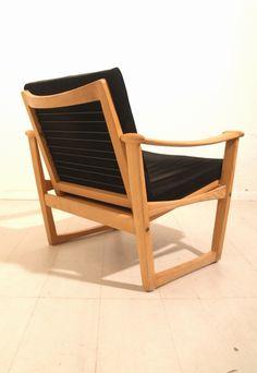 Finn Juhl; Oak Lounge Chair for Pastoe, 1950s.