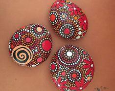 Pintar piedras diseño inspirado en el Mandala por etherealandearth