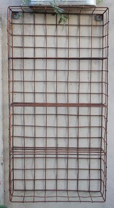 Repisa de alambre Plant Hanger, Arts And Crafts, Outdoor Structures, Macrame, Wire, Shopping, Shelving Brackets, Objects, Libraries