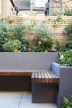 Hottest Images Garden Seating planter Style Outdoor spaces and patios beckon, specifically when the weather gets warmer. Concrete Garden Bench, Garden Planters, Garden Beds, Garden Benches, Fence Garden, Cement Pots, Wooden Garden, Garden Bench Seat, Concrete Planters
