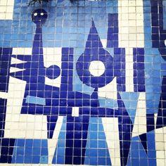 Detalle del mural Abstracción Integrada por Carlos Mérida. Originalmente completó el edificio Fabrica de Bujias Champion en 1967, fue donado a UNAM en 1987 Detail of the mural Integrated Abstraction by Carlos Merida Originally completed for the Champion Spark Plugs Factory building in 1967 and was donated to UNAM in 1987.