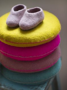 Felted slippers & pillows - IMGL2394
