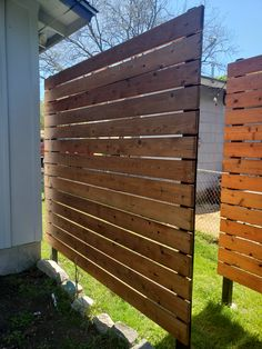 Privacy Wall Outdoor, Backyard Privacy Screen, Wood Privacy Fence, Privacy Screen Outdoor, Privacy Walls, Privacy Screens, Backyard Fences, Outdoor Walls, Wooded Landscaping