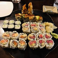Hi Im new here but an avid sushi addict - this is the best sushi Ive every had - Sushi Capitol in Washington DC spicy tuna spicy butterfish spicy salmon cucumber rolls and green dragon rolls Sushi Love, Sushi Sushi, Best Sushi Rolls, Cucumber Rolls, Sushi Party, Spicy Salmon, Sushi Recipes, Poke Bowl, Green Dragon