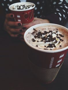 Red Starbucks cups <3