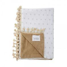 Πετσέτα μπεζ με λευκό υφασμα και γκρί αστερι και μπεζ φούντα Lucca, Towels, Beach, Art, Totes, Art Background, The Beach, Hand Towels, Kunst