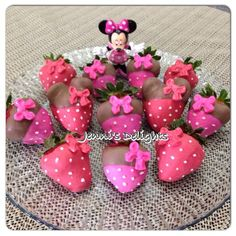 Two of my faves Minnie and strawberries! Minnie Mouse 1st Birthday, Minnie Mouse Baby Shower, Minnie Mouse Theme, Theme Mickey, Mickey Party, 3rd Birthday Parties, 2nd Birthday, Birthday Ideas, Bolo Minnie