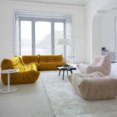 L'inimitable canapé Togo, de chez Ligne Roset Home Interior, Interior Architecture, Interior Decorating, Interior Design, Decorating Ideas, Togo Sofa, Sofa Chair, Room Inspiration, Interior Inspiration