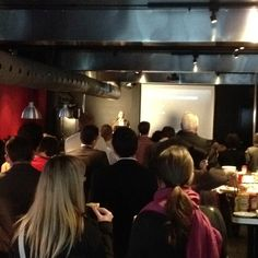 A great turnout for @wmougayar at third Tuesday Toronto #3tyyz talking  about @engagio