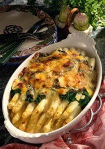 Gegratineerde asperges met spinazie Vegetable Recipes, Vegetarian Recipes, Cooking Recipes, Healthy Recipes, Amish Recipes, Dutch Recipes, Wiener Schnitzel, Irish Stew, Good Food
