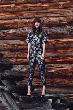 #hálo #halofromnorth #scandinavian #lapland #finnishdesign #designer #nordicstyle #nordicfashion #fashion #style #womenswear #highquality #european #fashiondesign #myhálo #Finland #Winter   #beautiful #follow #followus #like #netaporter #futureoffashion #love #summer #pinterest #darkhair #girl #woman #romantic #businessoffashion #fashionable #natural #ootd #outfitoftheday #outfit #partyoutfit #partylook #officelook #inspiration #inspo #outfitinspo Office Fashion, Work Fashion, Fashion Design, Nordic Design, Nordic Style, Scandinavian Fashion, Office Looks, Work Looks, Party Looks