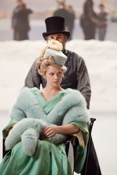 "costumefilms: ""Anna Karenina - Ruth Wilson as Princess Betsy Tverskoy wearing a green mint dress, matching fur stole and pillbox hat with organza flowers. Period Costumes, Movie Costumes, Cool Costumes, Vintage Beauty, Vintage Fashion, Safari, Ruth Wilson, Ballet, Urban"