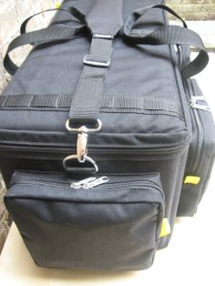 Strong and confortable padded shoulder strap