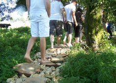 Un fan club de Yannick Noah se balade pieds nus en forêt - http://boulevard69.com/un-fan-club-de-yannick-noah-se-balade-pieds-nus-en-foret/?Boulevard69