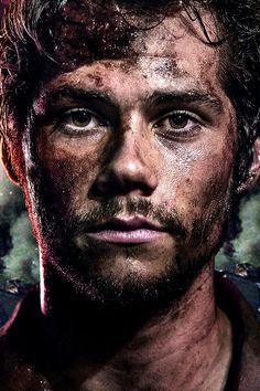 """Dylan O'Brien's exclusive French poster for the film """"Deepwater Horizon."""""""
