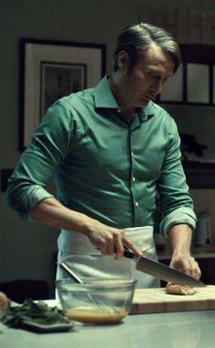 hannibal in the kitchen seasons rolled up. Dr Hannibal Lecter, Hannibal Tv Series, Hannibal Funny, Nos4a2, Hugh Dancy, Mads Mikkelsen, Attractive Men, Danish, Gentleman