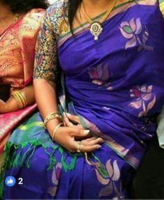 Dark blue and green uppada jamdhani sarees Cutwork Blouse Designs, Kids Blouse Designs, Saree Blouse Designs, Hand Designs, Blouse Patterns, Blue Silk Saree, Bridal Silk Saree, Organza Saree, Uppada Pattu Sarees