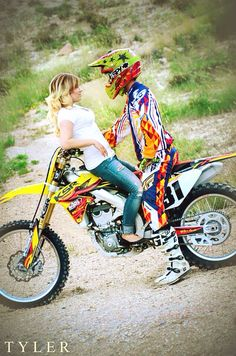 motocross motocross engagement engagement pictures since I know I'll have to do this. This is kinda cute. Motocross Wedding, Motocross Couple, Engagement Couple, Engagement Pictures, Wedding Pictures, Dirt Bike Couple, Couple Photography, Engagement Photography, Cute Couple Pictures