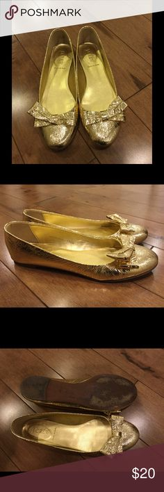 Jcrew gold bow flats size 7 Jcrew gold bow flats size 7. J. Crew Shoes Flats & Loafers