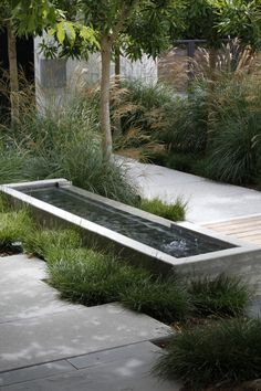 Mark-Tessier-pacific-palisades-garden-poured-concrete-fountain-path-pavers