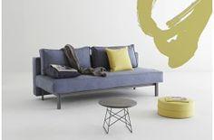 Dette er et billede af Sly sovesofaen fra Innovation placeret i en indretning.