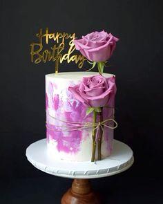 Buttercream Cake Decorating, Cake Decorating Designs, Creative Cake Decorating, Cake Decorating Videos, Birthday Cake Decorating, Cake Decorating Techniques, Creative Cakes, Buttercream Cake Designs, Unique Cakes