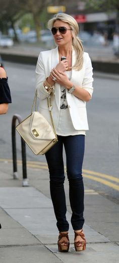 Cute but casual. Not over-trying to look super flashy it's just a natural outfit. Low pony, layered bracelets, cute midsized purse, skinnies, heels, and a blazer. C'est magnifique!