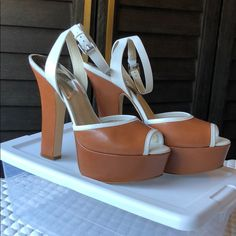 9e1dd5fc1e81 20 Best Michael Kors Platform Sandals images