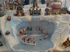 making accessories for christmas villages Christmas Tree Village, Christmas Town, Christmas Time Is Here, Christmas Villages, Noel Christmas, Christmas Projects, Halloween Village Display, Box Noel, Xmas Decorations